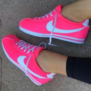 Pink NIKE Cortez 💕